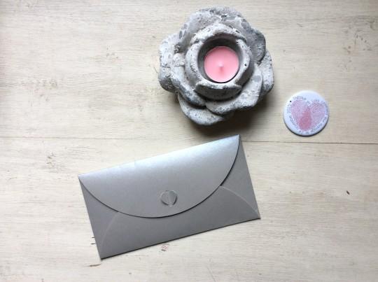 vieille morue faire part enveloppe rose gris.jpg