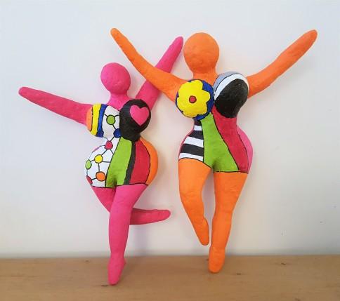 danseuses-nikki-saint-phalle-papier-mache-sculpture-8