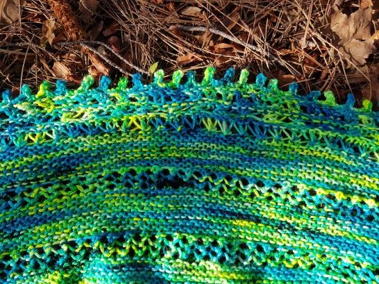 shawl-hedgehob-fibers-rosa-rosae-mam-zelle-flo-morue-bounce-vert-12