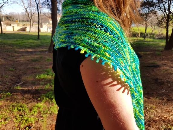 shawl-hedgehob-fibers-rosa-rosae-mam-zelle-flo-morue-bounce-vert-6