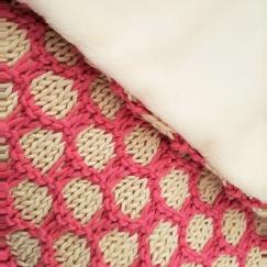 bee blanket we are knitters knit cotton malabar couverture abeille naissance chat bébé 3