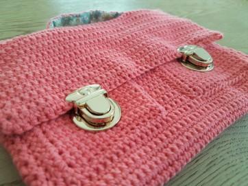 vieille morue mini cartable trousse pochette crochet maille serrée isabelle kessedjian mondial tissu rico design coton 1