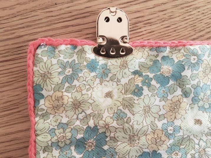 vieille morue mini cartable trousse pochette crochet maille serrée isabelle kessedjian mondial tissu rico design coton 11