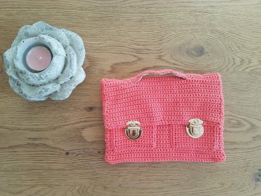 vieille morue mini cartable trousse pochette crochet maille serrée isabelle kessedjian mondial tissu rico design coton 12