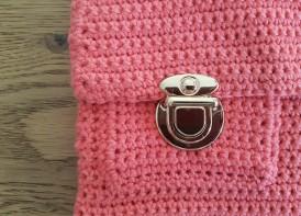 vieille morue mini cartable trousse pochette crochet maille serrée isabelle kessedjian mondial tissu rico design coton 5
