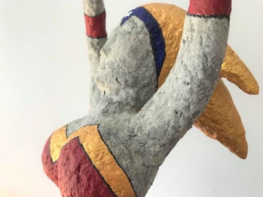 wonder super woman papier maché sculpture peinture vieille morue 1