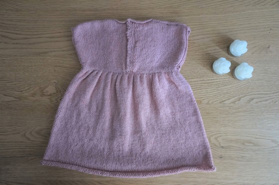 bergère de france layette calinou robe fronces noeud pression fille vieille morue 1