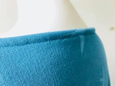 so sweet sweat delphine et morissette couture patron tissu bleu motif oiseau vieille morue 11