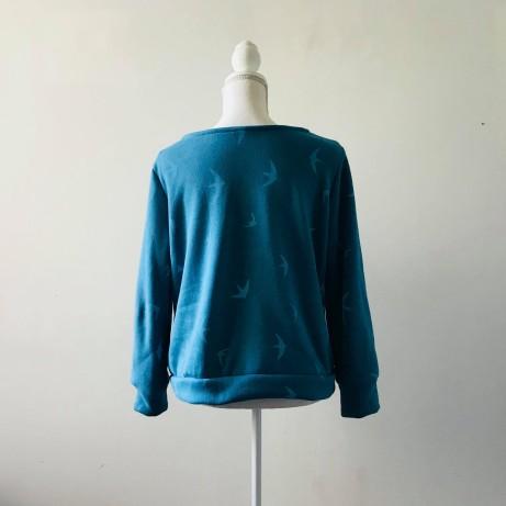 so sweet sweat delphine et morissette couture patron tissu bleu motif oiseau vieille morue 6