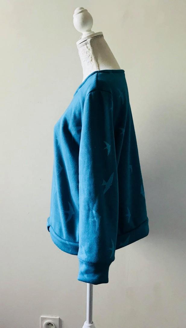 so sweet sweat delphine et morissette couture patron tissu bleu motif oiseau vieille morue 7