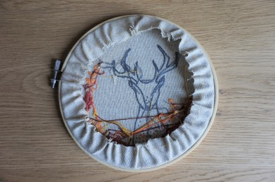 patience et petits points broderie embroidery sweet automne autumn vieille morue cerf deer feuille 2