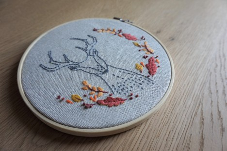 patience et petits points broderie embroidery sweet automne autumn vieille morue cerf deer feuille 3