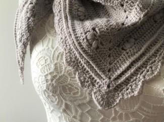 chale shawl victoria cherryheat sandra paul fonty bb mérinos laine crochet vieille morue 12