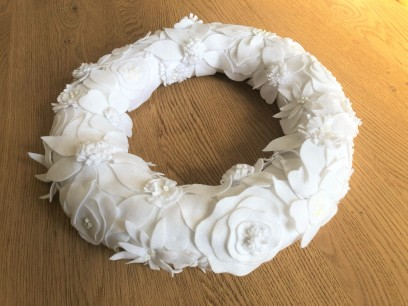 purl soho winter wreath christmas sew sewing embroidery couronne noël hiver couture feutrine broderie sequin perles vieille morue 2