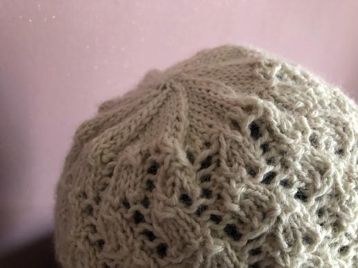 bonnet dentelle phildar the wool cat collaboration kit tricot alpaga laine dentelle lace hat knit vieille morue 3