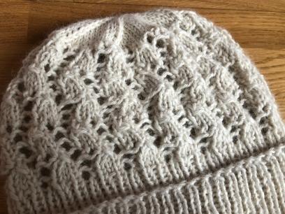bonnet dentelle phildar the wool cat collaboration kit tricot alpaga laine dentelle lace hat knit vieille morue 7