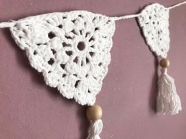 fanion mollie makes 17 lulu loves guirlande boho crochet perle la droguerie marchande de couleurs vieille morue 4