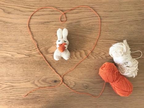 petit valentin au grand coeur anis bee crochet amigurumi saint valentin diy vieille morue 3