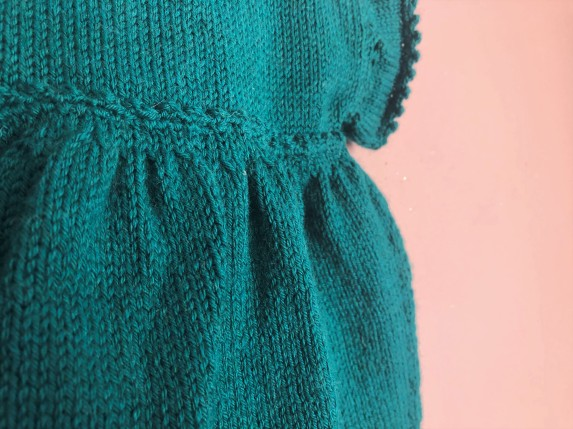 vieille morue phildar lambswool emeraude robe isis layette tricot crochet 6 mois automne hiver 3