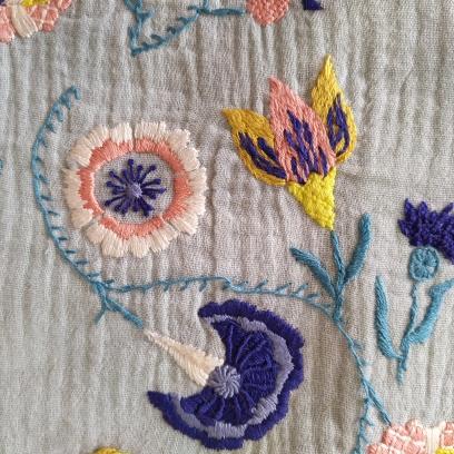 artesane jupe brodée je brode le printemps e l'été martine biessy fleur broderie vieille morue 3
