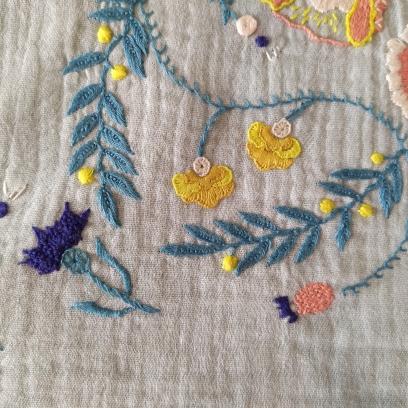 artesane jupe brodée je brode le printemps e l'été martine biessy fleur broderie vieille morue 4