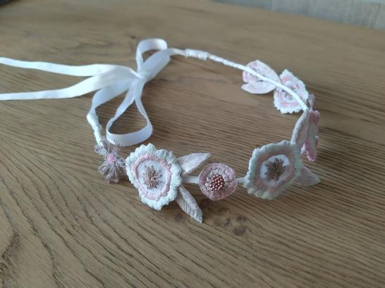 headband couronne fleurs brodées broderie artesane atelier by martine biessy au ver à soie vieille morue 11