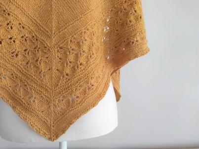 freia frost shawl chale trin annelie knits tricot bio balance bc garn vieille morue 2