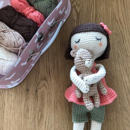 ligne retro suzanne et pompon poupée crochet doll drops paris vieille morue 2