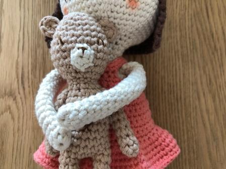 ligne retro suzanne et pompon poupée crochet doll drops paris vieille morue 3