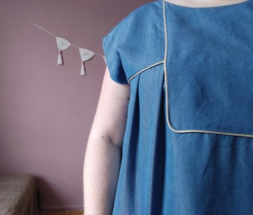 blouse robe areli république du chiffon RDC tencel passepoil doré or plastron mondial tissus vieille morue 11