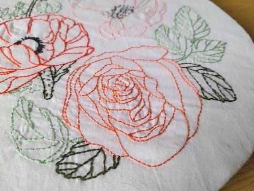atelier hoop trois fleurs pivoine coquelicot rose broderie embroidery débutant dmc vieille morue 2