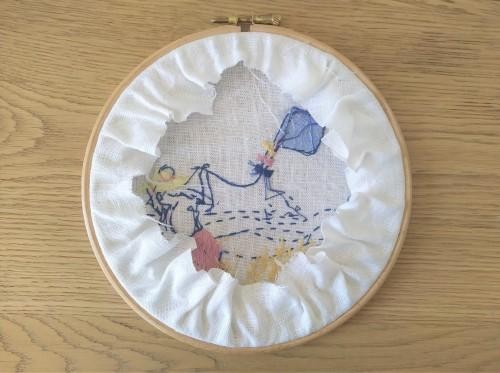 vent d'été marion romain broderie embroidey dmc femme cerf volant mondial tissu tambour motif broder vieille morue 6